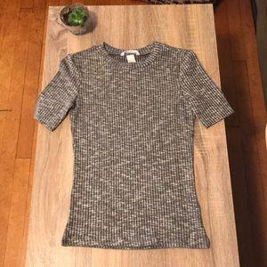 Heathered grey short sleeve shirt